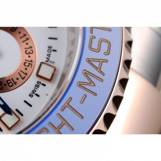 Unidirectional blue ceramic cutwork bezel with engraved rose-gold hour markers